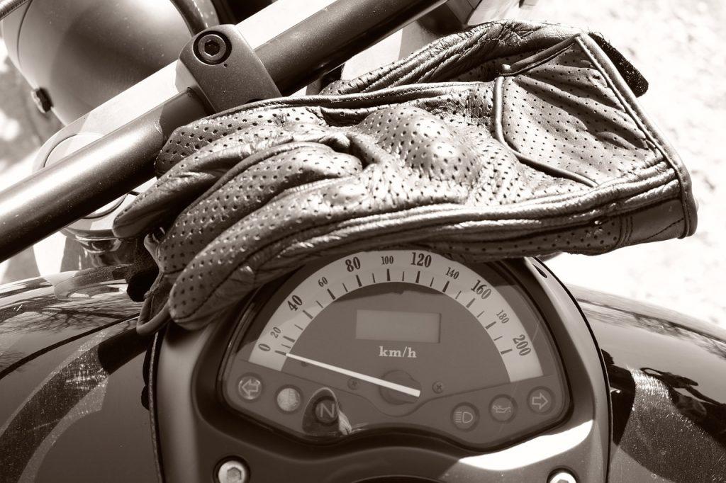 gant-de-moto