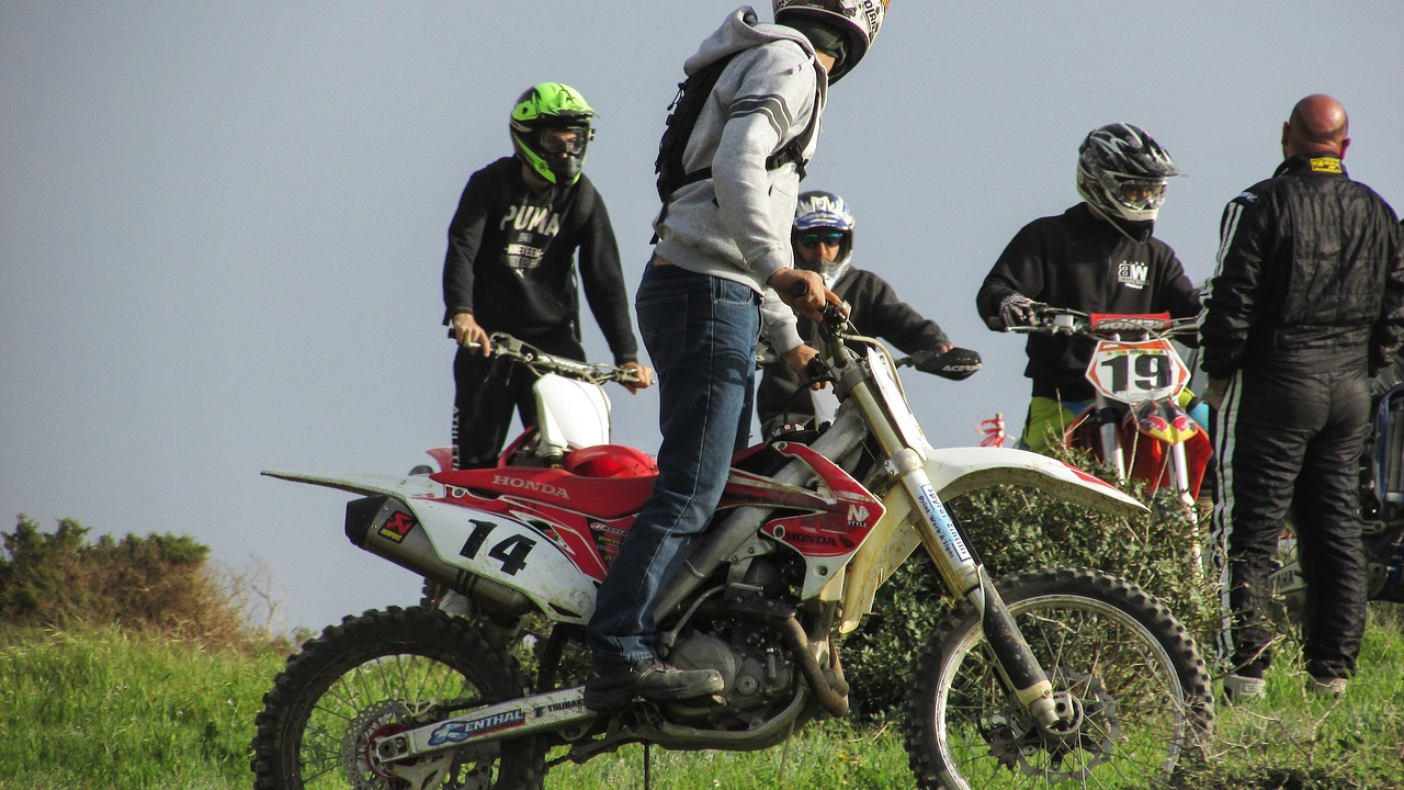 Bottes de moto : les meilleures du marché et guide d'achat