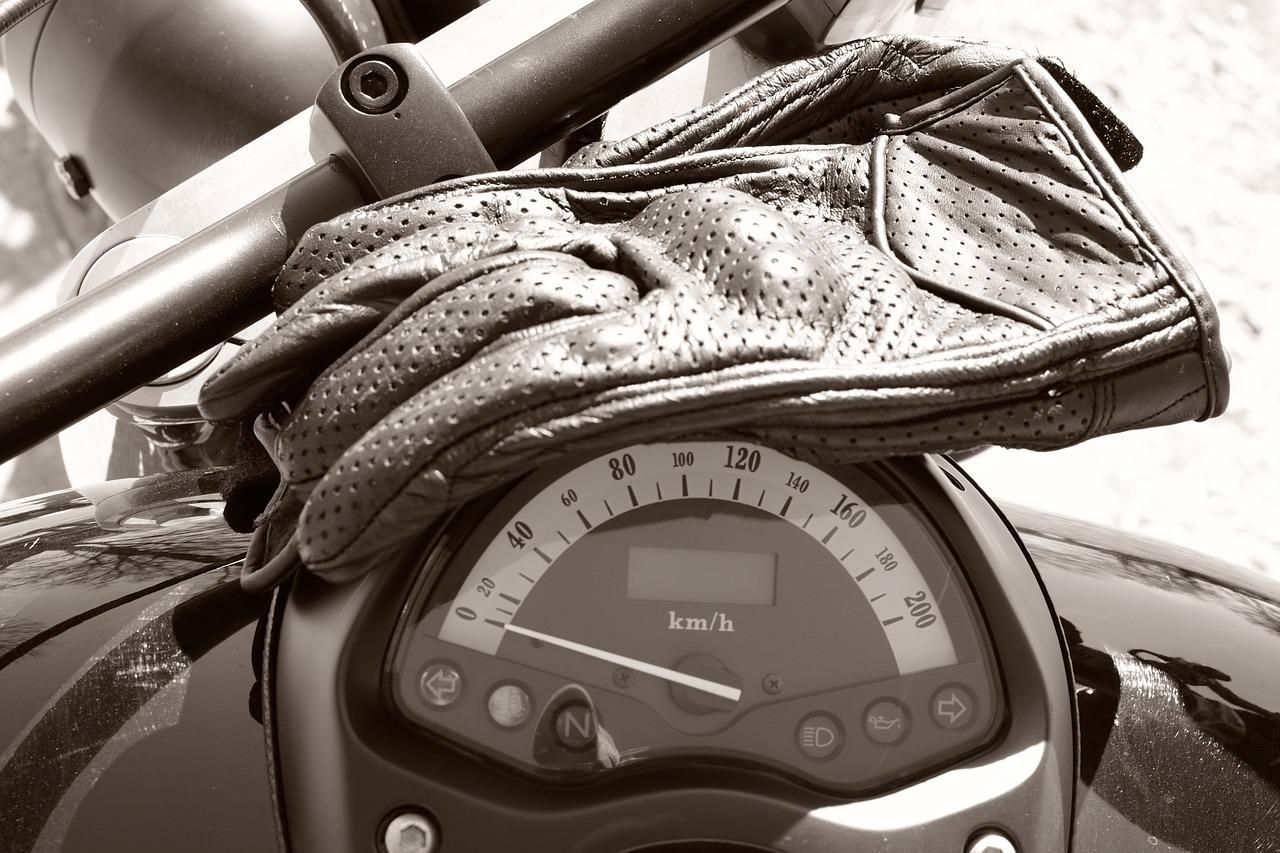 Gants moto : guide d'achat, comparatif, avis, etc
